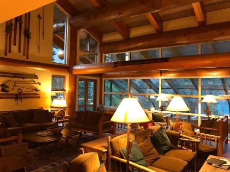 Moraine Lake Lodge 2